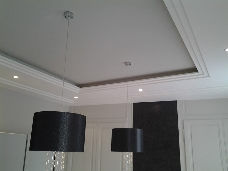 rosace plafond staff trendy lments dcoratifs with rosace. Black Bedroom Furniture Sets. Home Design Ideas